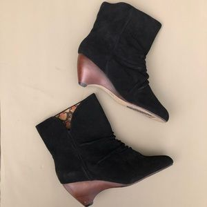 Anthropologie Shoes - Anthropologie Seychelles Suede Ankle Boot